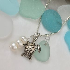 Jewelry - SEAFOAM SEAGLASS Charm Freshwater Pearl Necklace